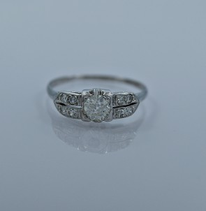 art-deco-diamond-engagement-ring