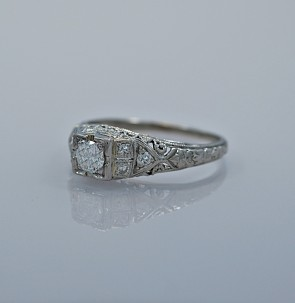 art-deco-022ct-diamond-engagement-ring