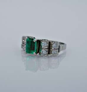 vintage-090ct-emerald-engagement-ring