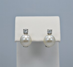pearl-diamond-gold-earrings-head