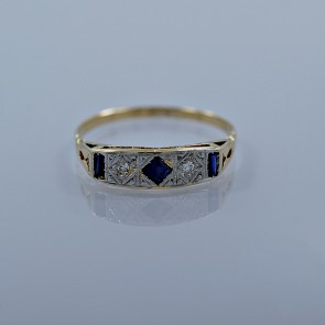 art-deco-diamond-sapphire-engagement-ring