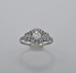 art-deco-diamond-platinum-33ct-engagement-ring
