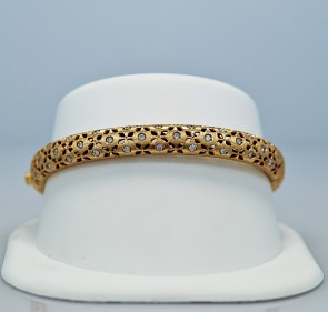 60-ct-diamond-yellow-gold-estate-bangle-bracelet-roberto-coin