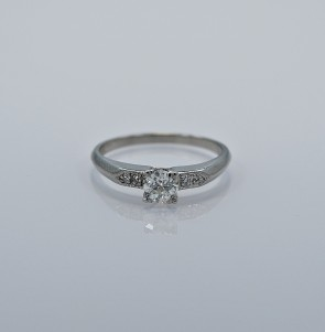 43ct-art-deco-diamond-palladium-engagement-ring-head