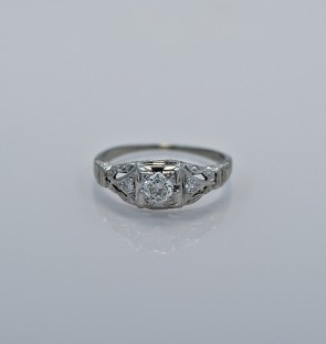 25ct-art-deco-diamond-engagement-ring-gold-head