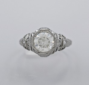 Platinum-Art-Deco-Diamond-Ring