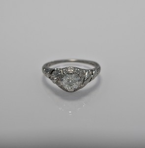 62-ct-diamond-platinum-art-deco-engagement-ring-head