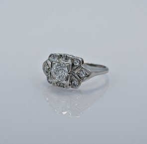 platinum-85ct-diamond-art-deco-ring-head