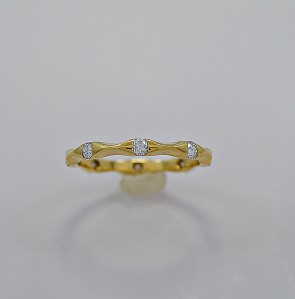 40-estate-wedding-band-diamond-gold
