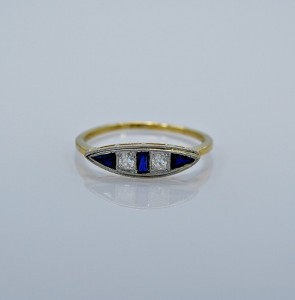 25ct-art-deco-diamond-engagement-ring-sapphire-head