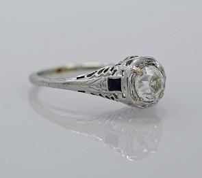 Ring-Engagement-Sapphire-Diamond-Platinum