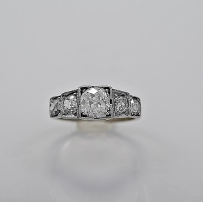 art-deco-diamond-18K-white-gold-90ct-engagement-ring
