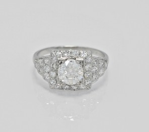 Platinum-Diamond-Ring-J34745- head-on