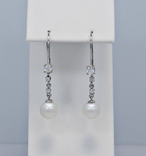 30-diamond-pearl-dangle-earrings-face