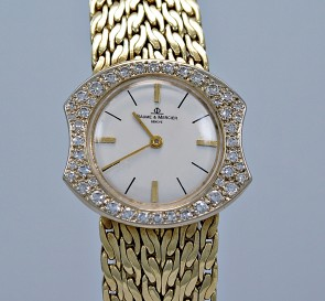 Vintage 1.00ct. T.W. Diamond & Yellow Gold Ladies Baume & Mercier Watch