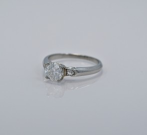 80-ct-diamond-platinum-art-deco-ring-angle