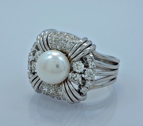 diamond-platinum-vintage-ring-9mm-pearl