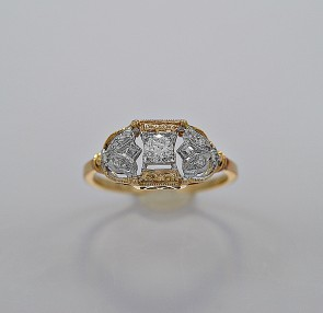 art-deco-diamond-gold-15ct-engagement-ring