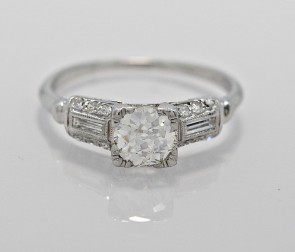 Diamond-Art-Deco-Platinum-Ring