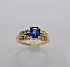 sapphire-engagement-ring-estate