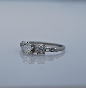 art-deco-026ct-diamond-engagement-ring