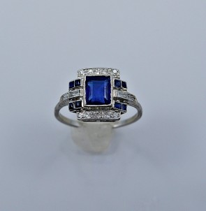 ring-platinum-diamond-sapphire-natural-1-10-head