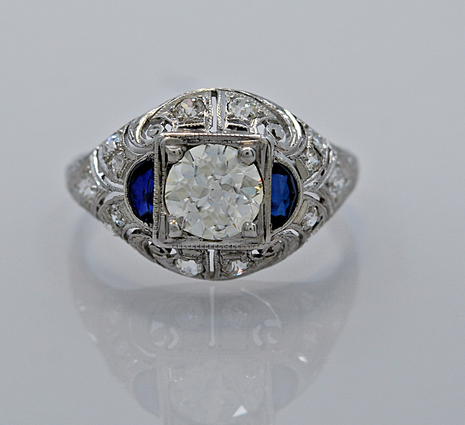 Diamond-Art-Deco-Sapphire-Ring-Platinum