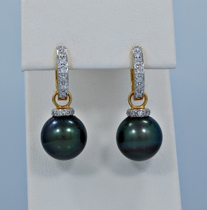 12mm-tahitian-pearl-diamond-earrings