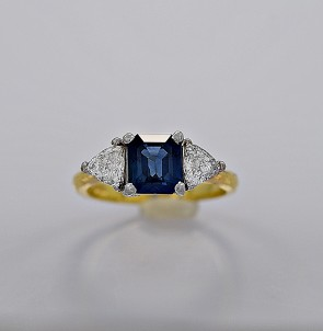 vintage-diamond-sapphire-gold-150ct-engagement-fashion-ring