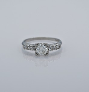60-ct-diamond-platinum-art-deco-engagement-ring-head