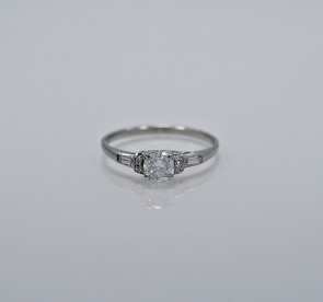 21ct-art-deco-diamond-engagement-ring-head