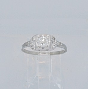 Engagement-Ring-Diamond-Art-Deco-18K-White-Gold