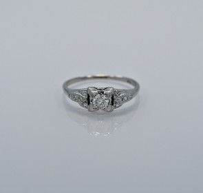 18ct-art-deco-diamond-platinum-engagement-ring-head