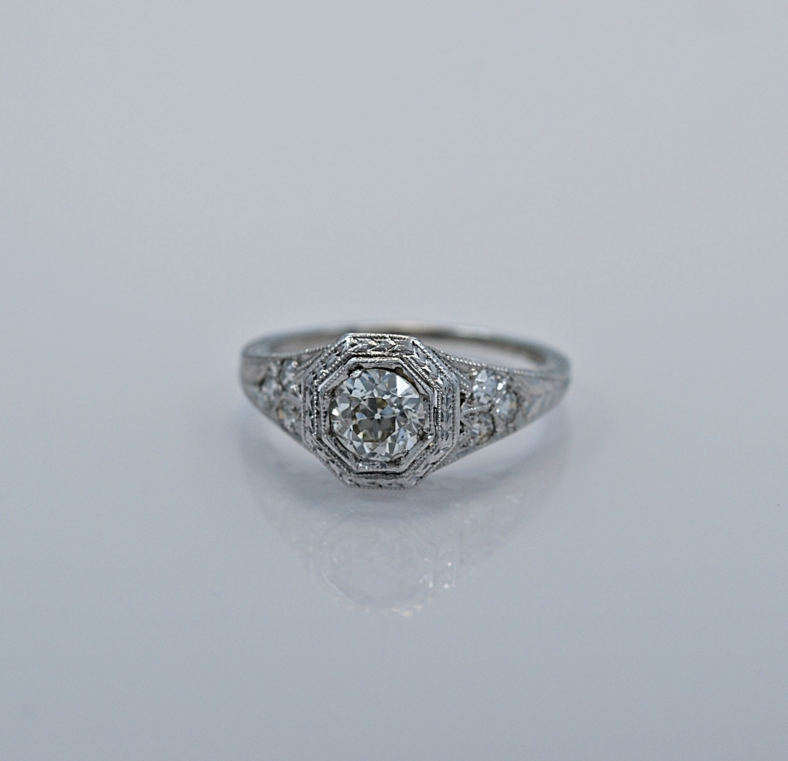 61-ct-diamond-platinum-art-deco-engagement-ring-head
